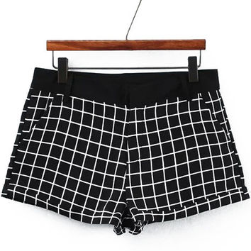 Black and White Pockets Plaid Shorts