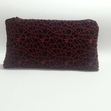 Small clutch bag, black and burgundy, crocheted net purse, evening clutch purse, zipper clutch