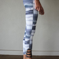 Glide Tie Dye Print Criss Cross Leggings