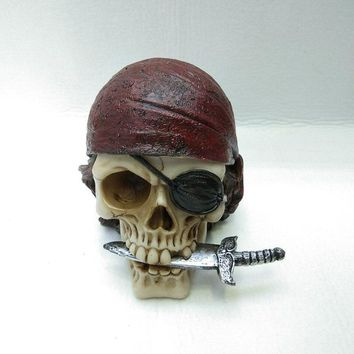 Skull Skulls Halloween Fall Creative resin Pirate  decoration Halloween property gifts Masque resin crafts Costume decorations Resin  figurines Calavera