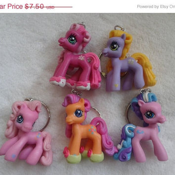 spring sale 5 pc my little pony keychain keyring set - party favor