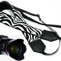 Camera strap with Zebra pattern. InTePro camera strap for Nikon Canon DSLR / SLR Cameras. Black and white accessories for photographer.