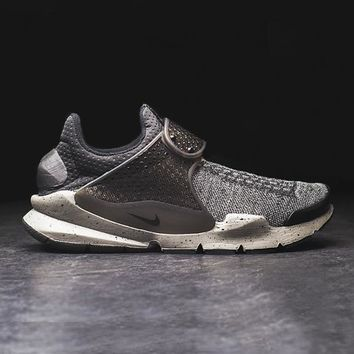 spbest NIKE - Men - Sock Dart PRM - Black/Grey