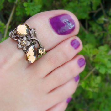 Toe Ring - Light Smoke Topaz Crystal - Bronze Metal - Stretch Bead Toe Ring