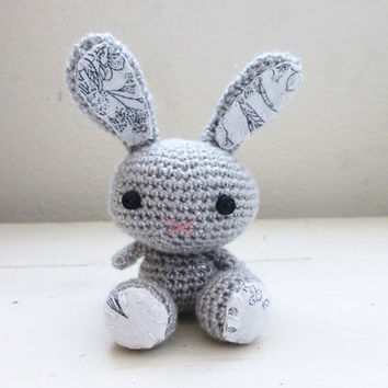 Amigurumi bunny, crochet bunny, gray bunny, bunny tail, rabbit doll, amigurumi animal, crochet amigurumi, ready to ship, handmade, kawaii