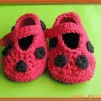 PATTERN Crocheted baby ladybug maryjane by LilyKnitting on Etsy