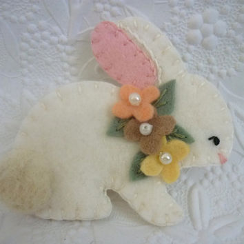 Flower Brooch Felt Bunny October Halloween Wool Primitive Woodland Rabbit