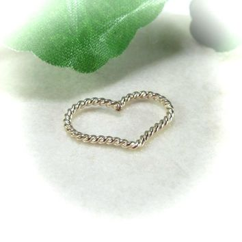 Daith Heart Hoop Earring Gold Dot Twist Medium Single