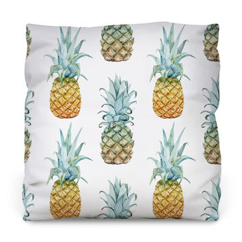 Pineapple Purist Outdoor Throw Pillow