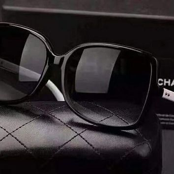 ONETOW Chanel classic style, suitable for all kinds of face beauty leave people can keep oh