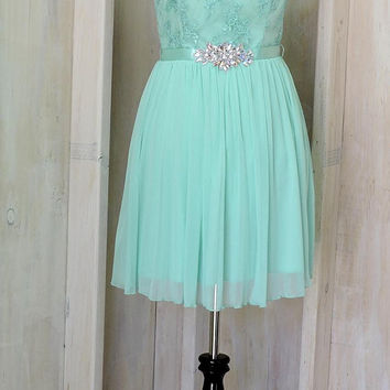 Strapless party dress / size 6 / 7 /seafoam green / light teal / lace taffeta  / cocktail / formal /  wedding guest / bridesmaid