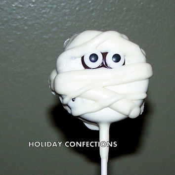 Double Stuff Oreo Cookies On a Stick Covered in Chocolate - Mummies - Kids party favors - Halloween