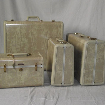 Vintage 1940s Suitcases Set of Four Pieces by StilettoGirlVintage