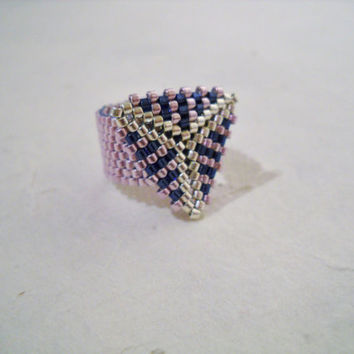 Purple Beaded Ring with Triangle, Miyuki Delica, Peyote Ring, Seed Bead Ring, Glass Beads, Triangle Ring, Purple Ring, Beaded Ring