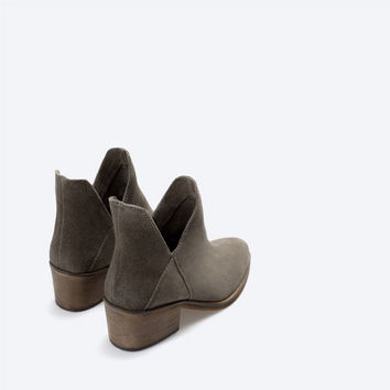 Flat hide ankle boot