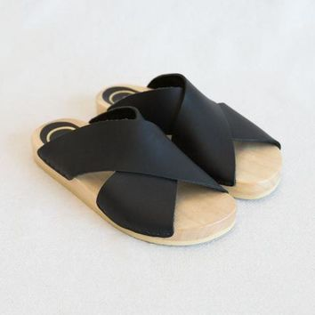 No.6 Frida Slide in Black at General Store