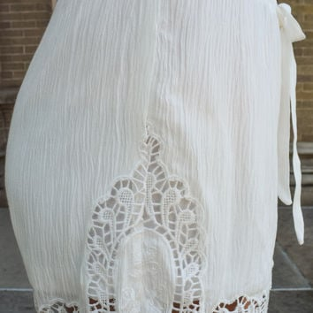 Lady in Lace Shorts Ivory