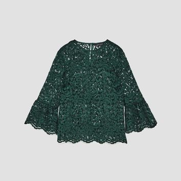LACE TOP WITH FRILLED SLEEVES DETAILS