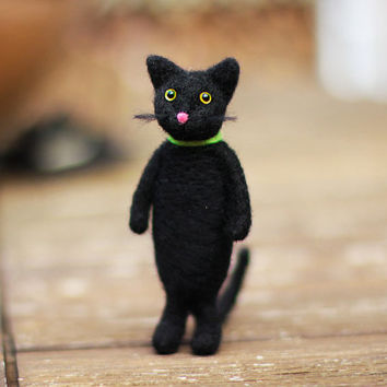 Needle Felted Cat, Felt Black Cat, Black Cat Miniature, Cat Doll, Felt Kitty, Cute Cat, Cat Figurine, Needle Felted Animal, Halloween Decor