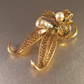 Miriam Haskell style Brooch, Wired Baroque Pearl Gilt Filigree Flower, Vintage Jewelry