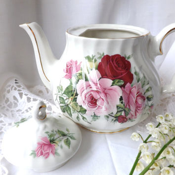 Sadler Teapot / Sadler Rose Teapot / Vintage English Roses / Afternoon Tea Party / Shabby Chic Decor / Ceramic Teapot Staffordshire UK