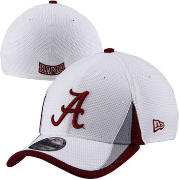 New Era Alabama Crimson Tide Training Classic 2 Flex Hat - White