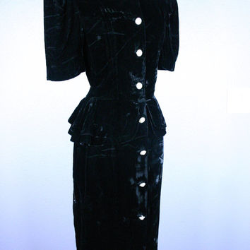 Vtg 80s 50s Black Velvet Cocktail Dress Prom Dress LBD Grunge Evening Gown Goth WIGGLE Peplum Faux Pearl Rhinestone Buttons Formal GLAM