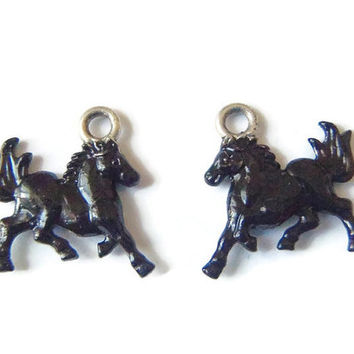 black horse pair of charms rodeo pendants tibetan silver animal beads enamel jewelry destash supplies craft finding earrings lasoffittadiste