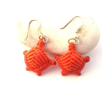 macrame earrings orange-small turtle
