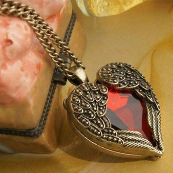 Vintage Red Heart Design Angel Wings Pendant Necklace