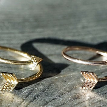 Gold and rose gold dainty tiny arrow adjustable ring (RI00008)