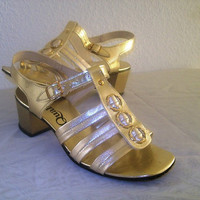 11-1201 Vintage 1960s Gold Gladiator Strappy Sandals / MOD Shoes / Gold Heels / Chunky Heel / Size 5 1/2 B