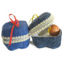 Easter - egg basket - egg cozy- felted - egg warmer
