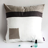 Onitiva Pure Heart Knitted Fabric Patch Work Pillow Cushion Floor Cushion in 19.7 by 19.7 inches