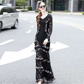 New Autumn Women V-neck Long Sleeve Black Lace Floral Patchwork Pleated Maxi Dress 2018 Desinger Runway Dress Long Party Dresses