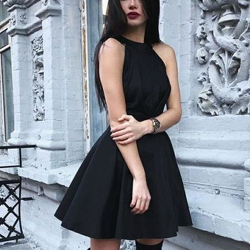 Black Round Neck Backless Homecoming Dresses Stain Pleated Short dress