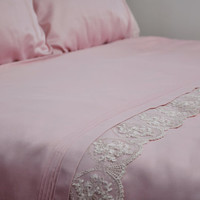 Romantic Pink Bedding Set with Lace for Queen or Full or Double Size – 6-piece Set Includes Duvet Cover, Flat Sheet, Shams & Pillow Cases