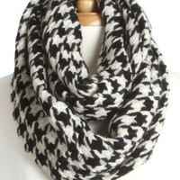 Black and White Hounds Tooth Pattern Infinity Scarf