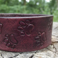 Leather Bracelet animal paws,leather carving, men bracelet, women bracelet, mens bracelet cuff, engraving leather, Wolf Dog Paw Prints