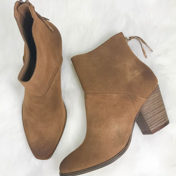 CHINESE LAUNDRY Kind Heart Whiskey Suede Booties