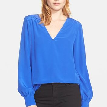 Women's Trina Turk 'Enna' Stretch Silk V-Neck Top,
