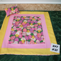 "American Girl sized, reversible doll bed quilt 17.5"" x 20.5"" with matching pillow 4"" x 6'"