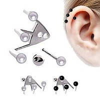 Trident Triple Cartilage Earring with Pearls