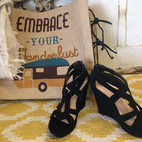 The Bailey Wedges in Black