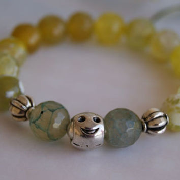 Agate Crack Yellow Beaded Bracelet. Faceted Czech Crystal and Silver Plated Beads. Stretch Bracelet.