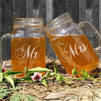 Rmantic Valentine's Day Gift of Mason Jar Handle Mr Mrs Anniversary Memory 450ML Mason Jars Bulk Water Juice Beverage Container