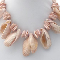 "Vintage Seashell Statement Necklace 18"" Hand Jewelry"