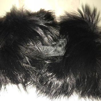 Amazing New Gucci Black Fox Fur And Cavallino Scarf With Dustbag.