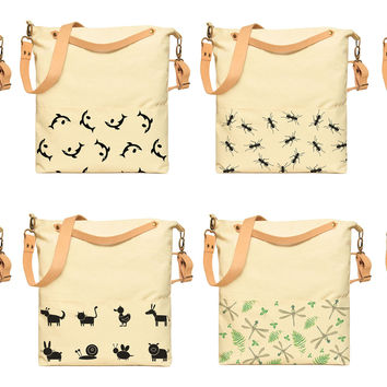 The Great Fish Eat Up the Small Printed Canvas Crossbody HandBags WAS_35