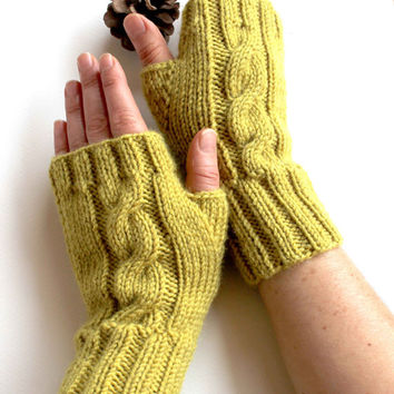 Autumn Trend / Hand Knit Fingerless Gloves / Medium size fits most  /  Green  / Winter Fashion/ Arm Warmes